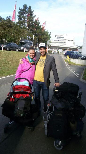 Vollgepackt am Flughafen Berlin-Tegel