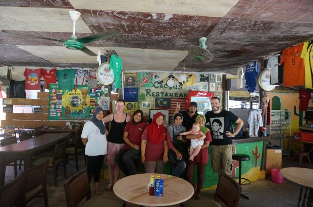 Abschiedsbild mit dem Cactus-Inn-Team