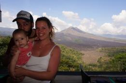 Gunung Batur Vulkan im Hintergrund