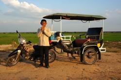 Vebol - der beste Tuk Tuk Fahrer aller Zeiten posiert für seine Website